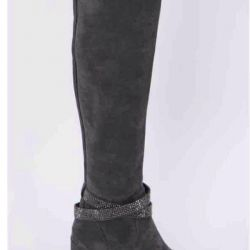 I sell new (in a box) women's boots