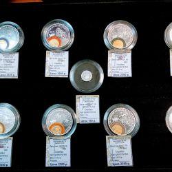 Монеты 999