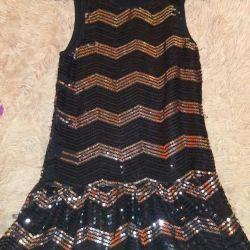 Платье нарядное р.146