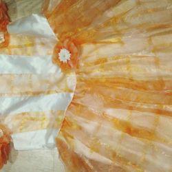 Rochie elegantă timp de 6 ani