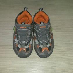 Αθλητικά παπούτσια. m 25 μέγεθος