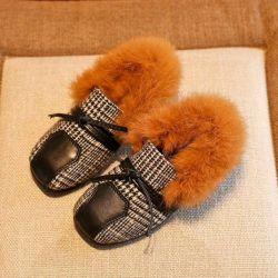 Παπούτσια κομψά για λίγο stilyag, χειμώνα με γούνα