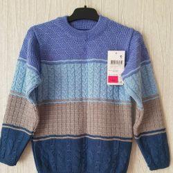 Новый свитер с этикеткой на мальчика