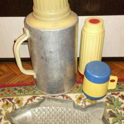 Thermos (3pcs.) And a dish for aspic fish