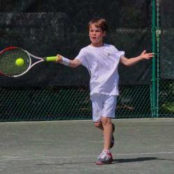 Tennis coach for children