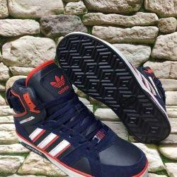 Her beden için stokta yeni olan erkek ayakkabı