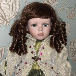 Porcelain doll Remeco Collection. Original
