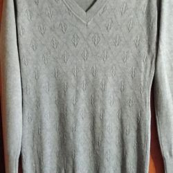 Knitted sweater tunic.