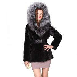 New elegant coat with a silver fox collar.
