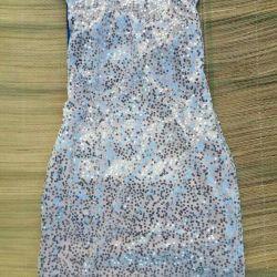 Payetler ile elbise