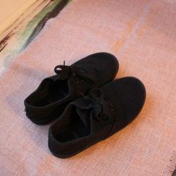 flip flops sneakers