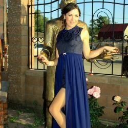 Βραδινό πανέμορφο φόρεμα μέχρι το πάτωμα