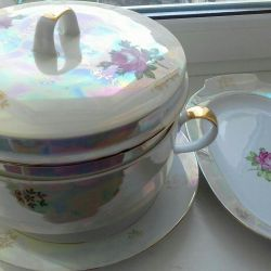 Chic set of dishes