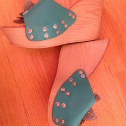 Platform sandals comfortable
