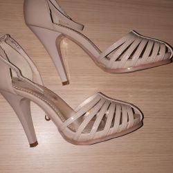 Sandals 35-36r