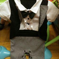 Ошатний смокінг на хлопчика 6 місяців