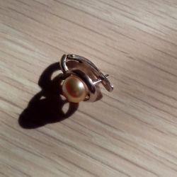 Σκουλαρίκι με μαργαριτάρια. ασημί