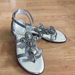 Yeni sandaletler Vince Vcamuto