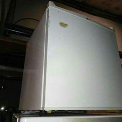 Міні холодильник робочий