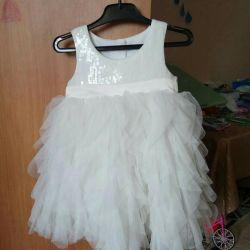 2-3 yıl için bir prenses için zarif elbise