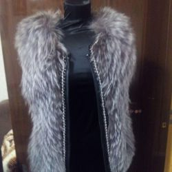 Fur vest from silver fox. Bixuefu.