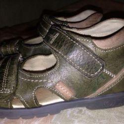 Children's orthopedic sandals
