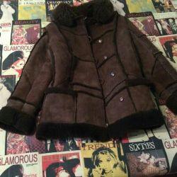 Yeni, doğal koyun derisi ceket