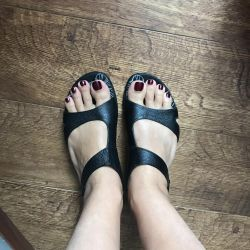Sandals without heels
