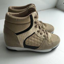 Ανδρικά παπούτσια νέες γυναίκες