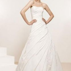 Свадебное платье бренда Ronald Joyce Victoria Jan