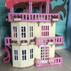 Casa Giant a Barbie