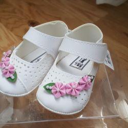 Нарядные новые туфли пинетки для малышки р1 и 2