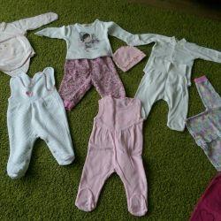 Очень много одежды для девочки
