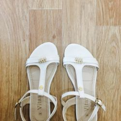 Selling new sandals
