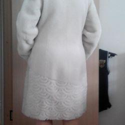 Fur coat, sheepskin.