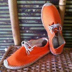 Tayland'dan yeni spor ayakkabılar, s. 41 (26,5 cm)
