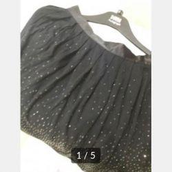 Πουλάω μια φούστα. xs
