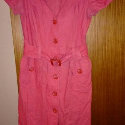 Linen dress with viscose.