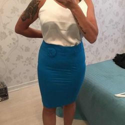 New pencil skirt Turquoise. Italy. S-M