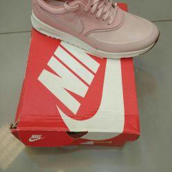 Τα πάνινα παπούτσια Nike 42 μεγέθους