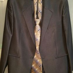 Men's suit in perfect condition