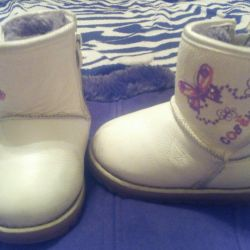 Winter children's boots from genuine leather