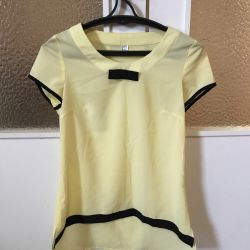 Новая блузка р-р 40-42