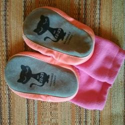 Домашние туфли. Тапочки, носочки Lindex (22-23)