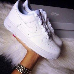 Γυναικεία αθλητικά πάνινα παπούτσια Nike (35-40)