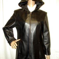 p.44-46 Jachetă din piele neagră cu fermoar