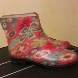Rubber boots p. 36