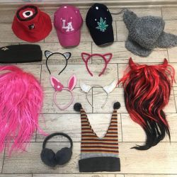 кепки, шапки, ушки, парики на Хелловин