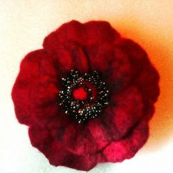 Brooch felted flower (different)