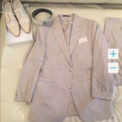 Suit, vest, shirt, tie, shoes